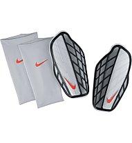 Nike Attack Premium - Schienbeinschoner, Silver/Black/Hyper Orange